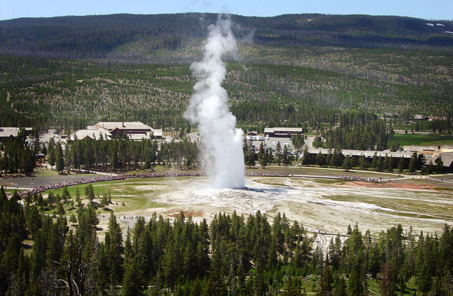 Evergreen Motel Yellowstone Old Faithful